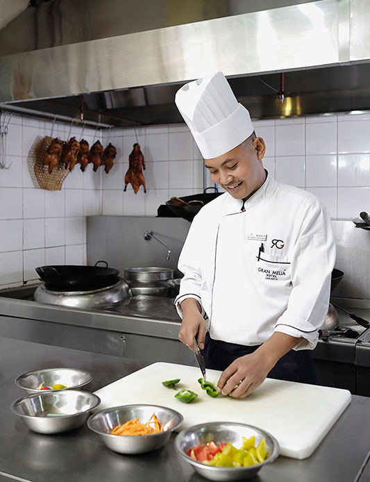 tienchao-chef-kitchen
